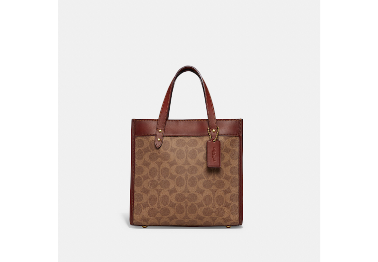 Field Tote 22 With Horse And Carriage Print image number 0