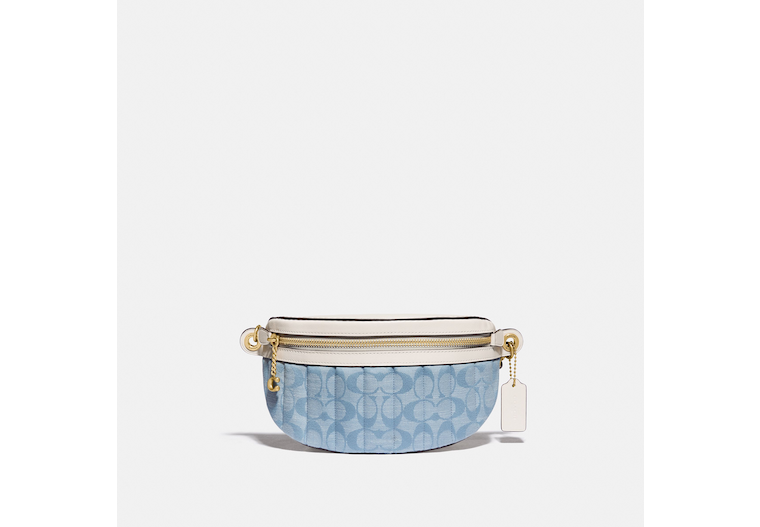 Chain Belt Bag In Signature Chambray With Quilting image number 0
