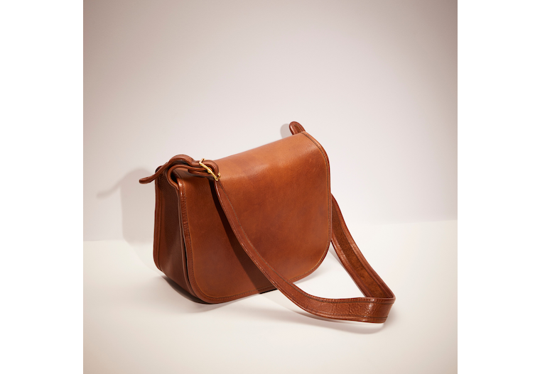 Vintage Classic Pouch image number 0